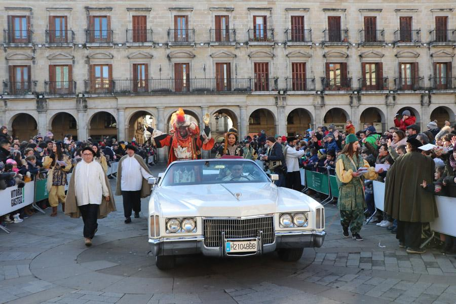 Cabalgatas de reyes en vehículos antiguos