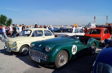 Medio millar de vehículos participaron en la convocatoria de ERMEvents para reivindicar la libre circulación de clásicos