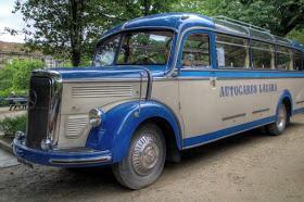 Autopullman_Mercedes-Benz_O_3500%2BWikip