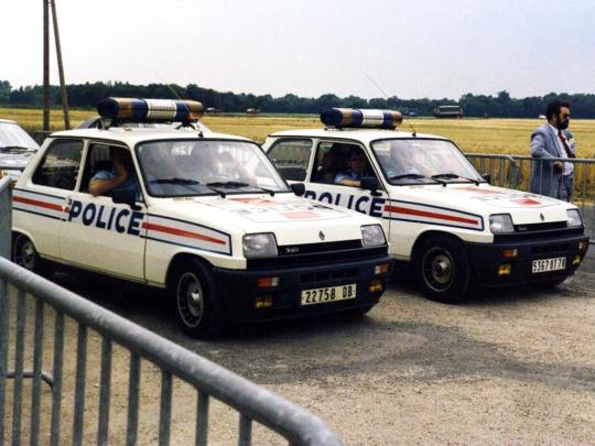 renault_5_alpine_turbo_police.jpg