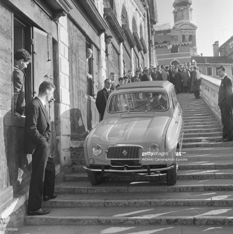 renault-4l-car-getting-down-the-stairs-o