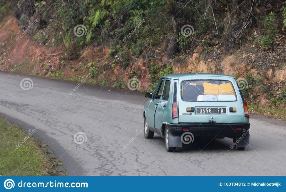 el-viejo-renault-en-madagascar-los-autos