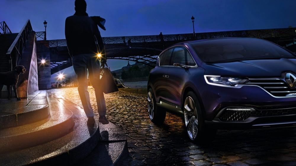 Renault INITIALE PARIS Concept -  vue de nuit - quai de seine