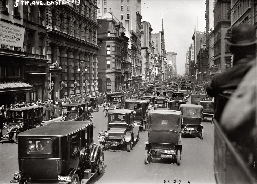 1913-fifth-avenue-looking-north.jpg