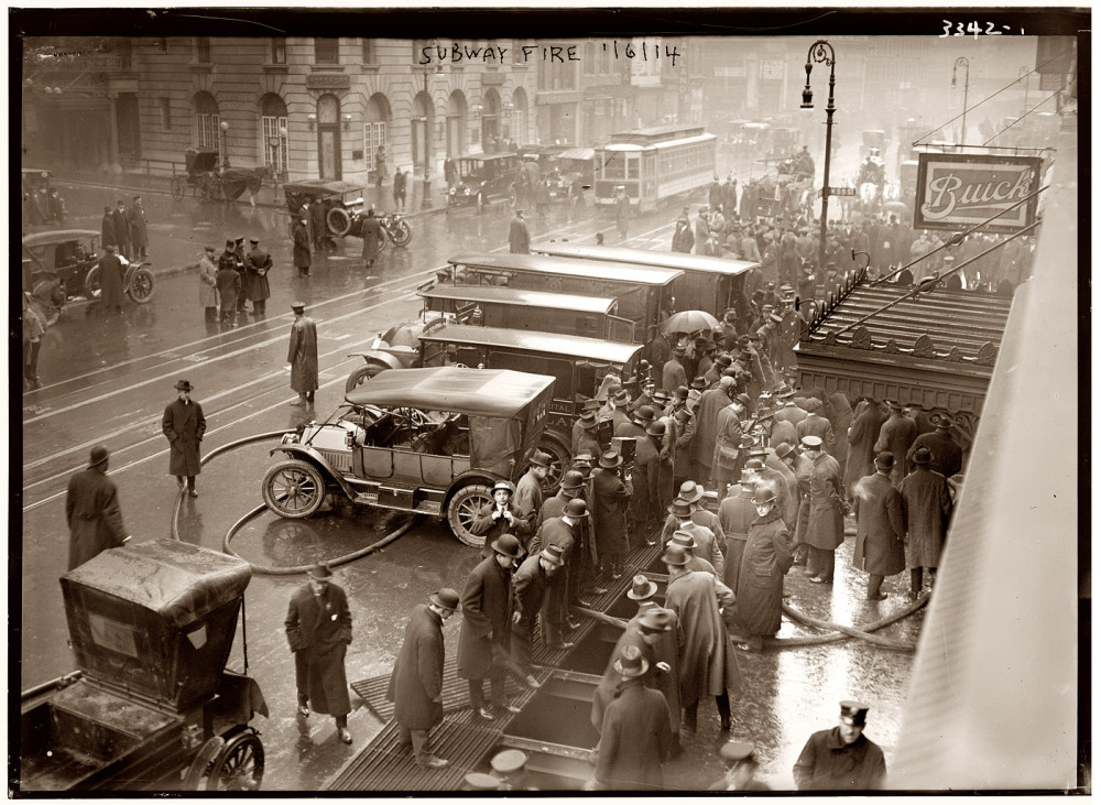 1915-subway-fire-west-55th-street-broadway.jpg