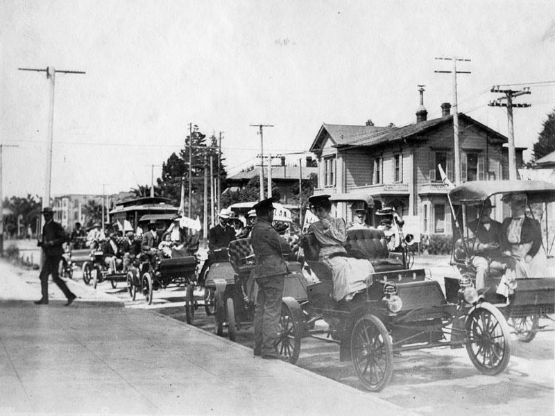1903 Los Angeles City – Broadway St.jpg
