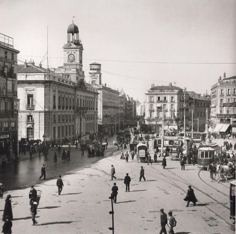 1906 Madrid – Puerta Sol.jpg