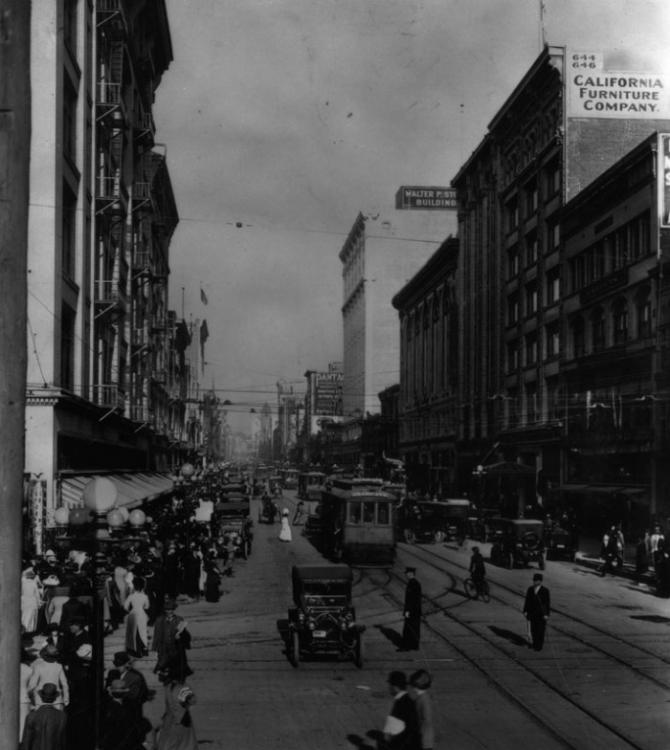 1910 Los Angeles City Broadway and 7th.jpg