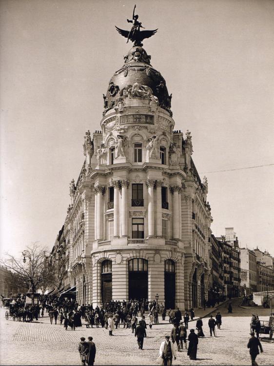 1910 Madrid Edificio Metropolis.jpg