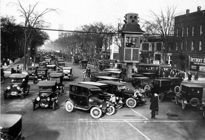 1910 Primer sistema patentado de semáforos de EEUU.jpg