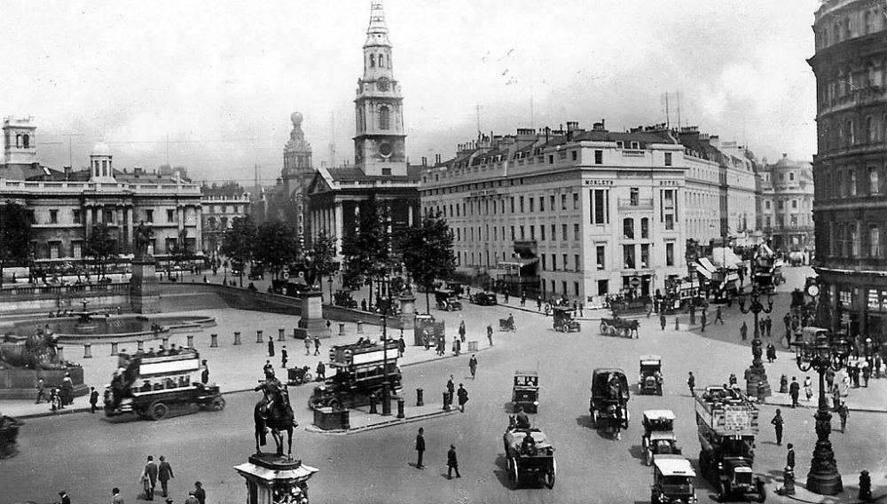 1911 Londres- Trafalgar Square.jpg