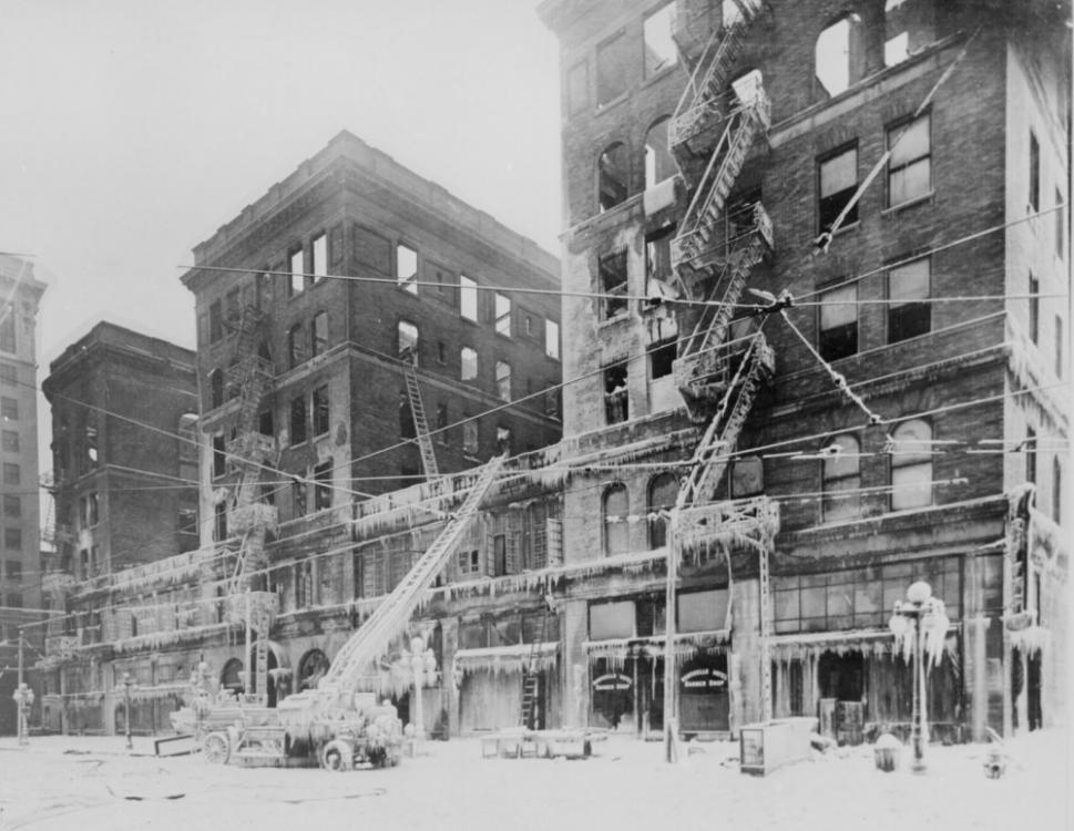 191811 Incendio en el Hotel Monticello, Norfolk, Va..jpg