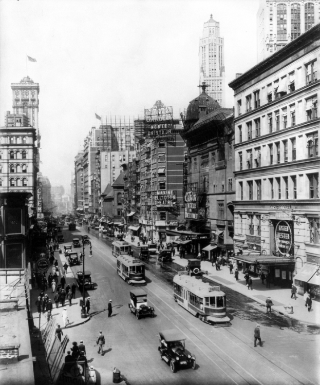 1920 Broadway theatres.png