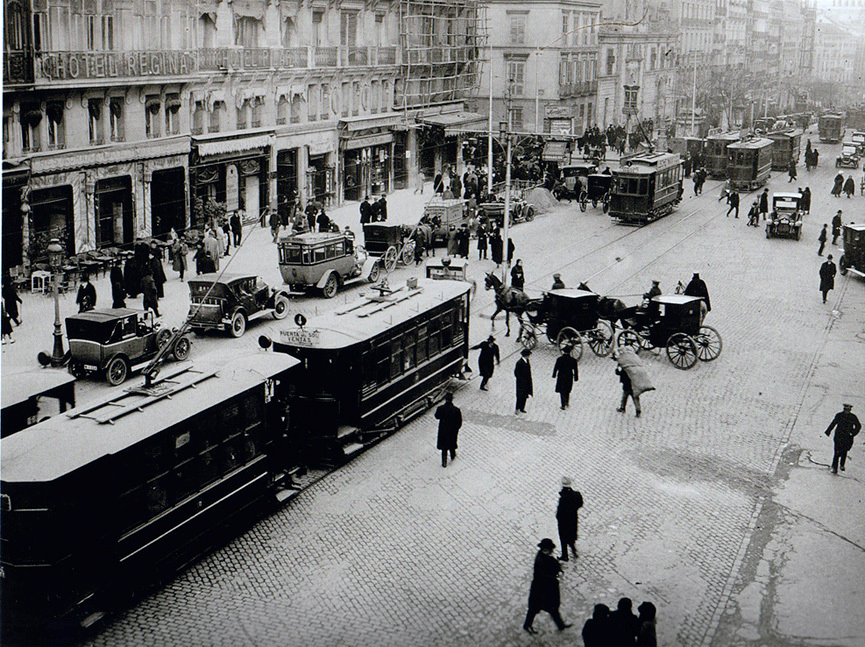 1920 Calle Alcala (Madrid).png