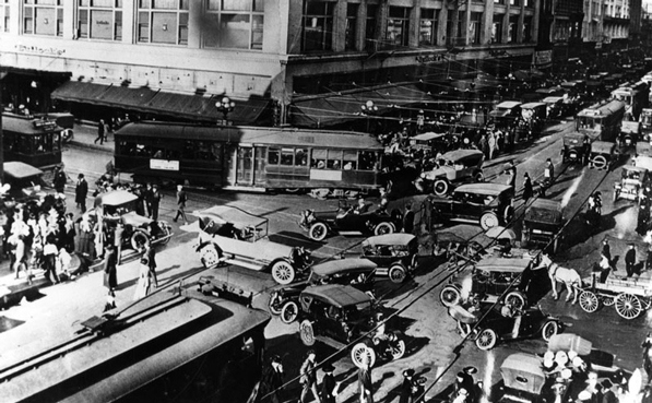 1920 LA 7th and Broadway Traffic.png