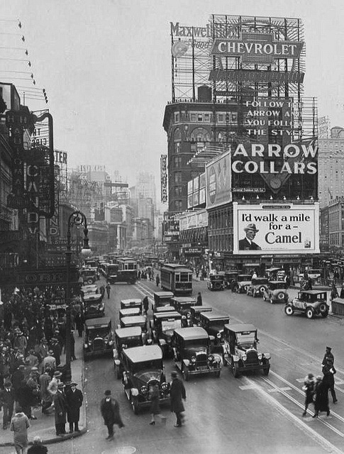 1920 New York City. – Times Square.png