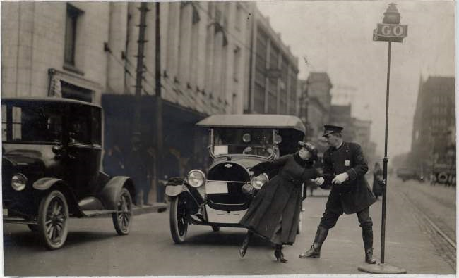 1920 Traffic Detroit.png