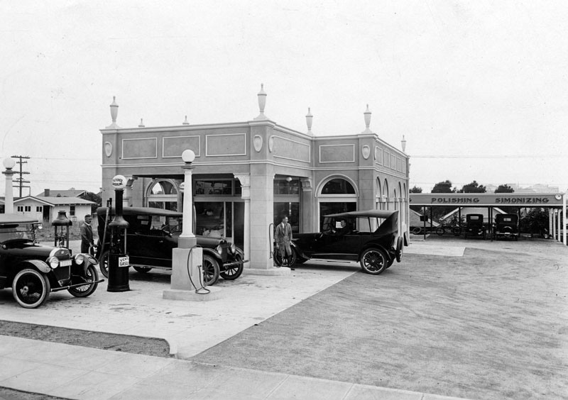 1920s Service Station Vermont.png