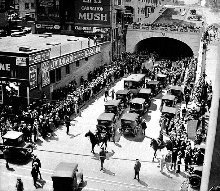 1924 Los Angeles 2nd St Tunnel.png