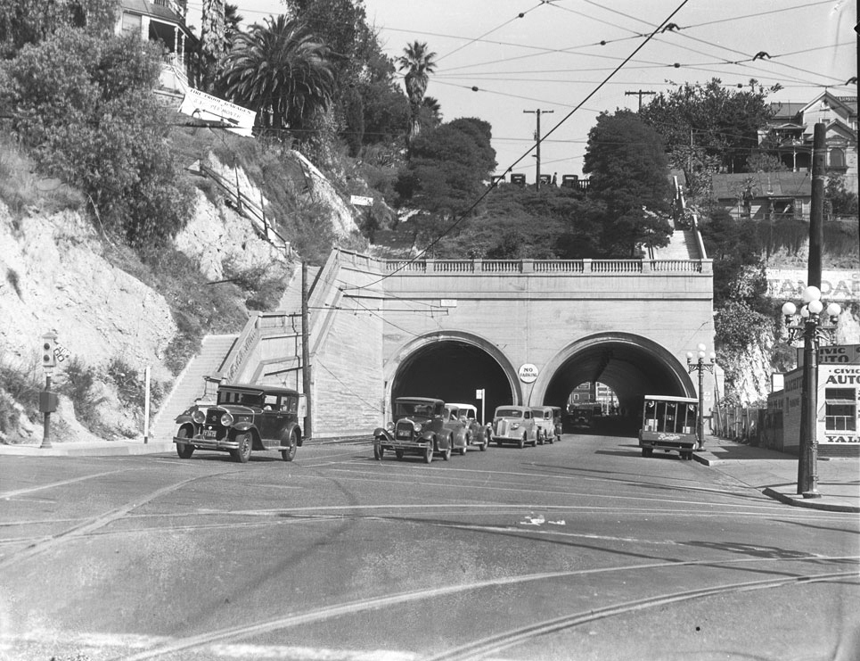 341923 Los Angeles Hill St Tunnel.png