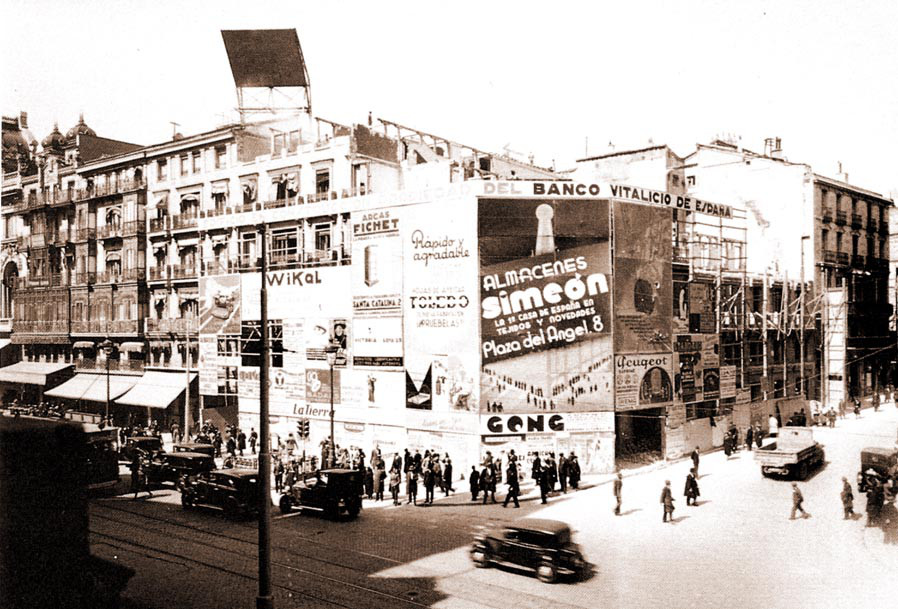 1930 Calle Alcalá (Madrid).png