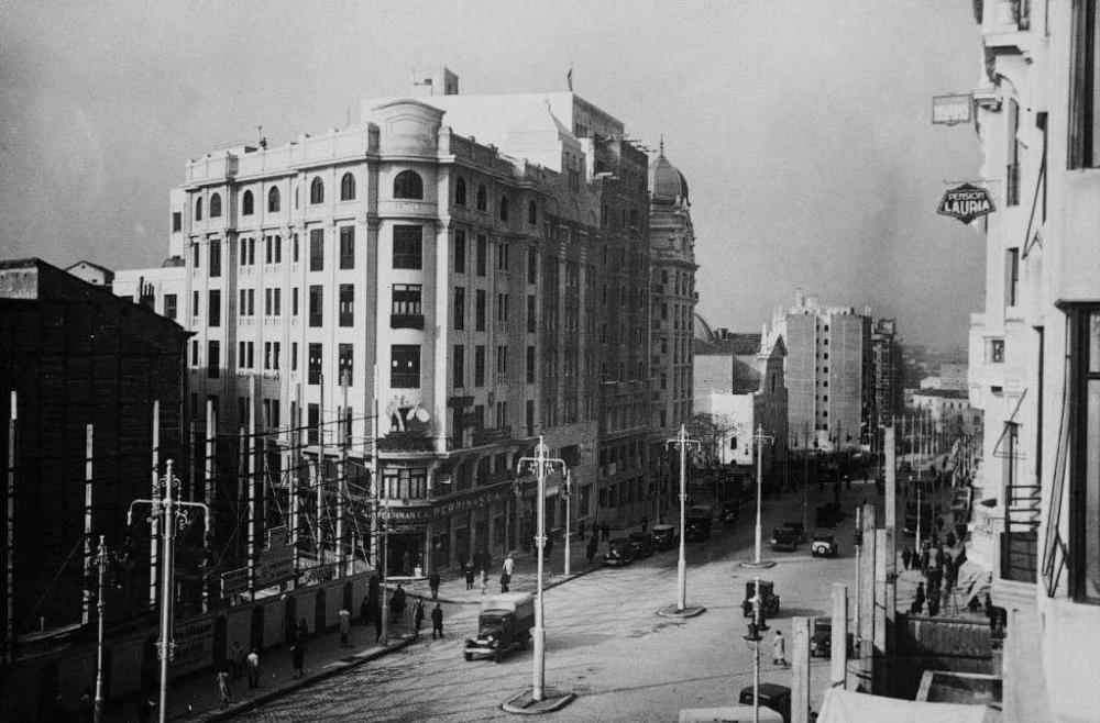 1930 Gran Vía (Madrid).png