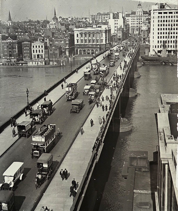 1930 London Bridge.png