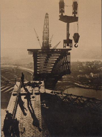 1930 Sydney Harbour Bridge.png
