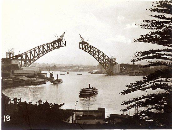 1930 Sydney Harbour Bridge1.png