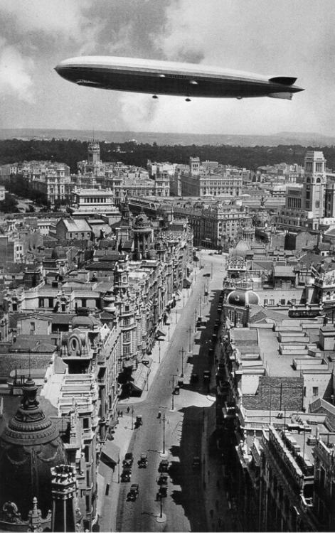 1931 gran via (Madrid).png