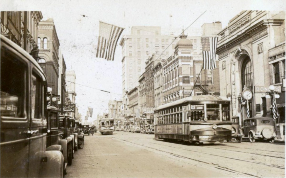 1933 Evansville Main St.png