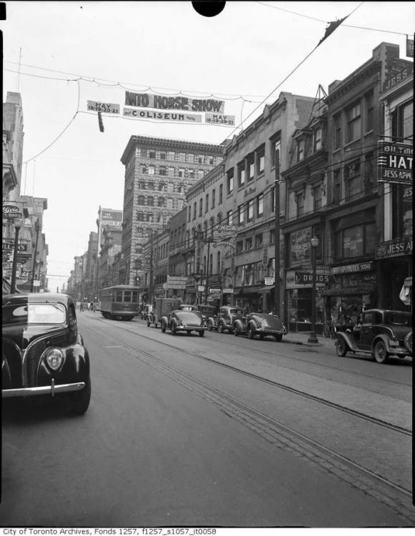 1939 Yonge and Adelaide (Toronto).png