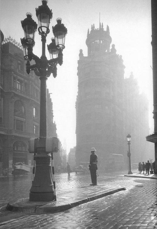 1940 Via Laietana (Barcelona).png