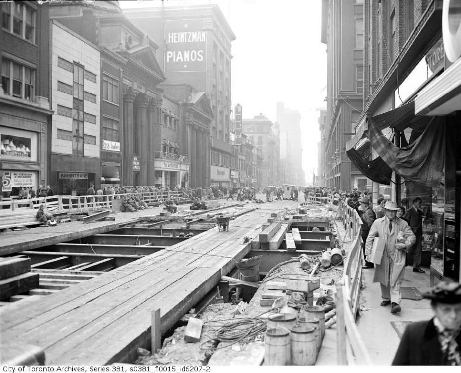 1949-1950 Yonge subway construction (Toronto).png