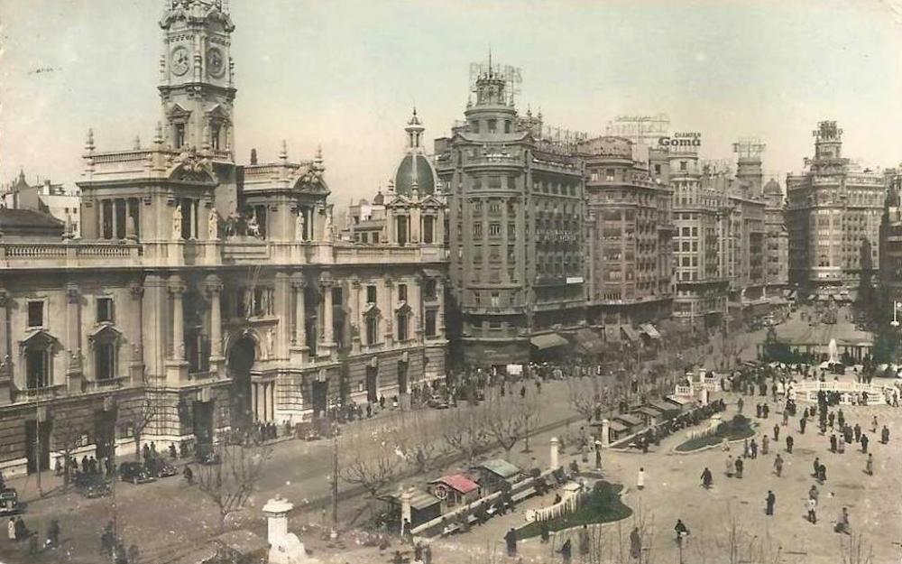 1950 Valencia Plaza del Ayuntamiento.png