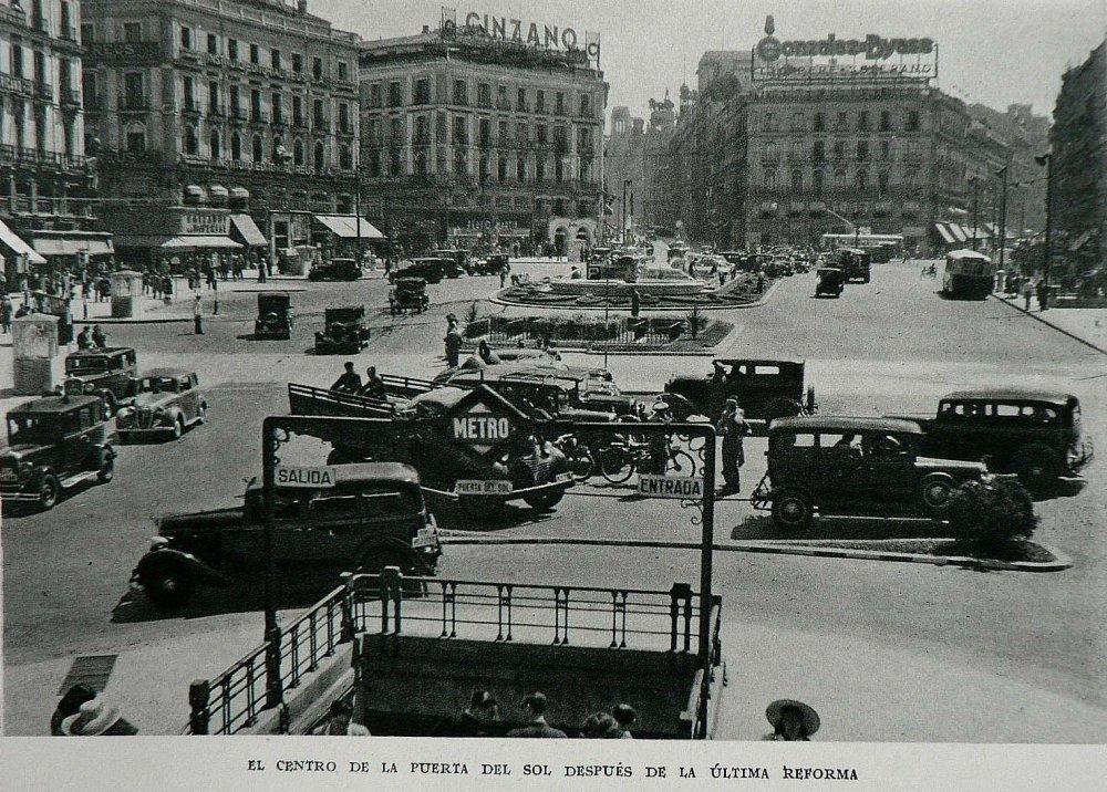 1954 Puerta del Sol Madrid..png