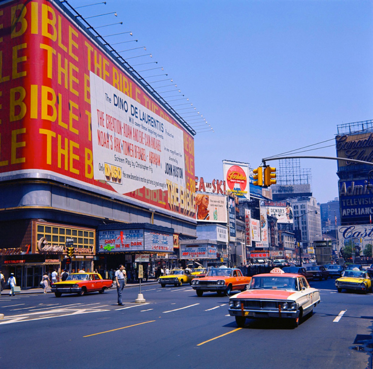 1964 New York – Times Square.png