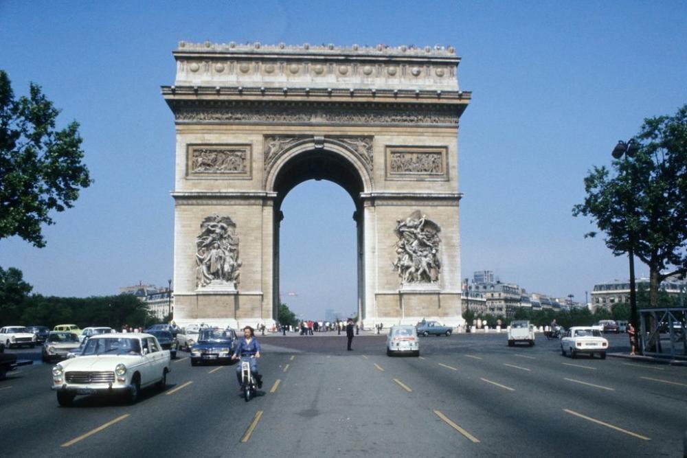 1973 París.png