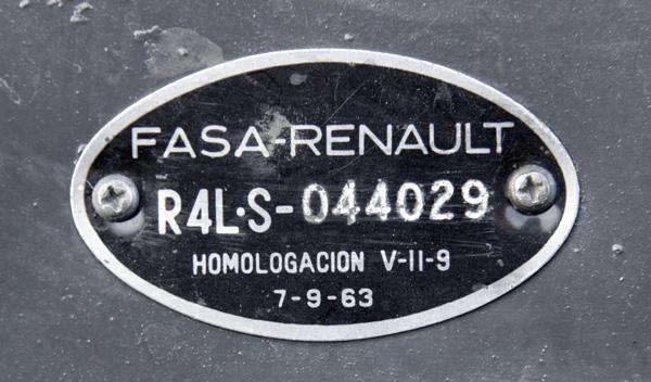 335971-renaul-4l-espana-placa.jpg