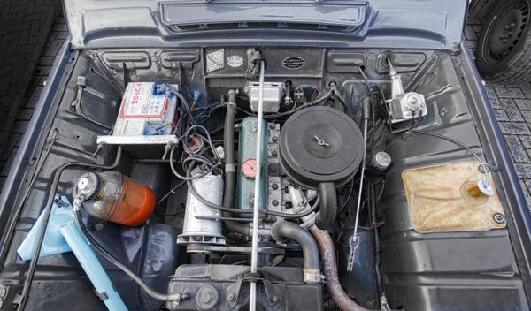 335979-renaul-4l-espana-motor.jpg