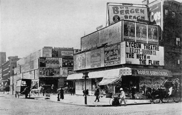 Longacre_Square,_New_York_City,_1898.jpg