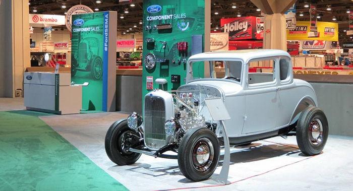 ford-5-window-1932-01-dm-700px.jpg