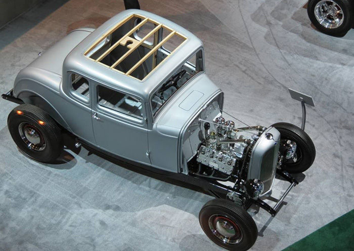 ford-5-window-1932-04-dm-700px.jpg