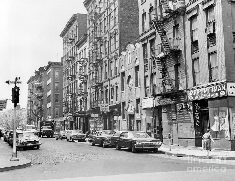 view-of-broome-street-in-manhattan-new-york-1965-barney-stein.jpg