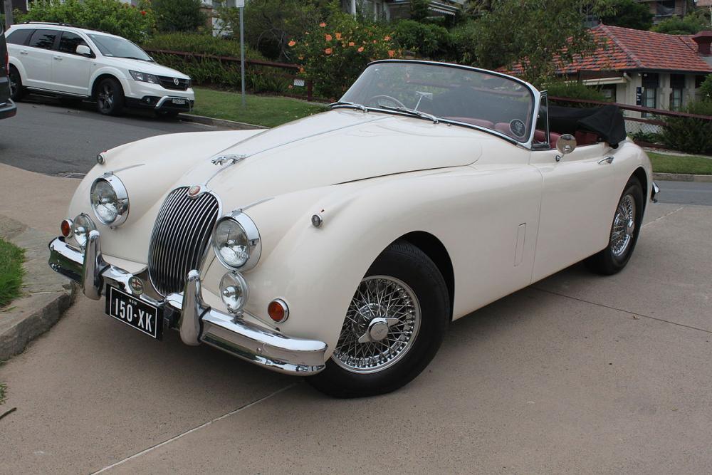 1959_Jaguar_XK150_(25460836533).jpg