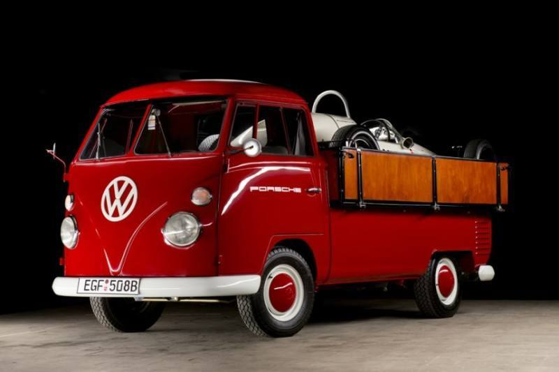 classic-vw-race-car-hauler-2-800x533.jpg