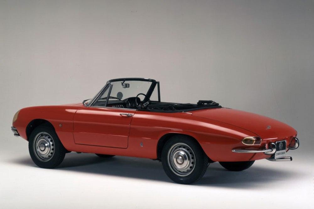 ocho-clasicos-convertibles-verano-Alfa-Romeo-Spider-4.jpg