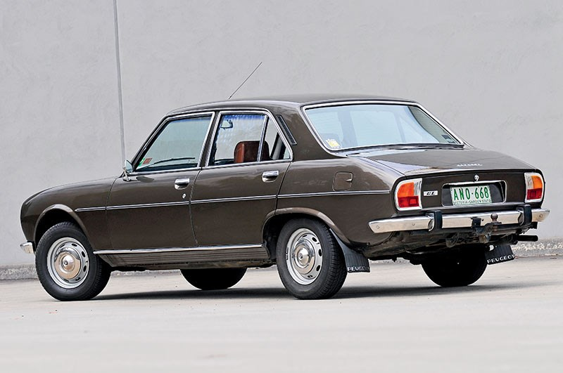 Peugeot-504-12.jpg